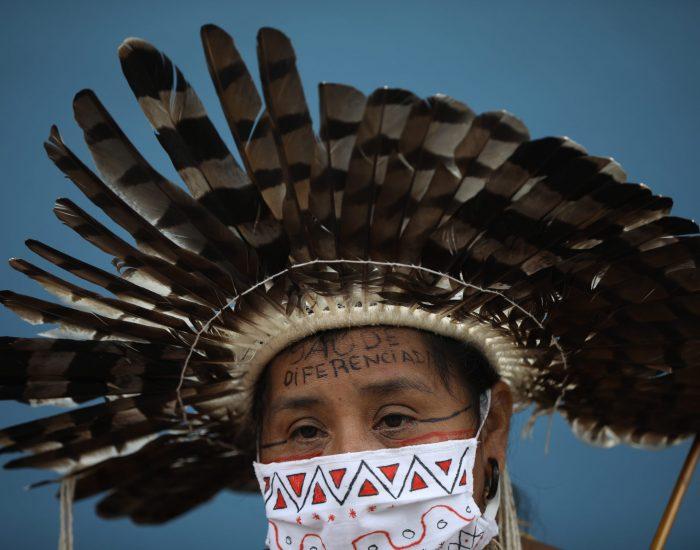 Indigena, Moy da etnia Satere Mawe que vive proximo a Manaus reivindica acesso de pajes e melhor tratamentio na ala indigena montada no Hospital Nilton Lins, referencia para atendimento de Covid-19 do estado do Amazonas em Manaus. Foto: Bruno Kelly
